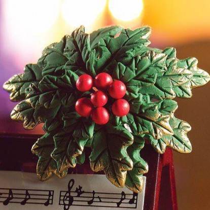 4949 Christmas Holly Wreath