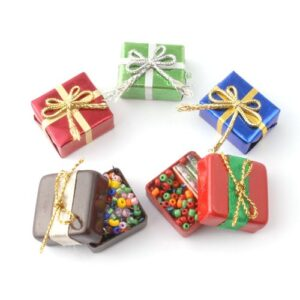 D949 Christmas Parcels, 5 pieces