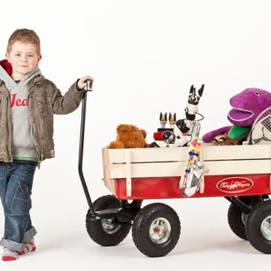 Great for the kids to play with outdoors, the Toby Classic Pull Along Red Wagon has a simple, classic design which has proven popular in America for more than 100 years. Now available in Ireland from Toby Wagons, we've designed our very own sturdy trolley.